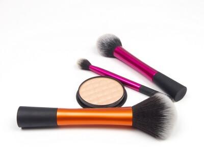 pinceau maquillage naturel