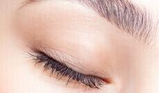 Meilleur contour des yeux bio : le top 9 de Styl'bio